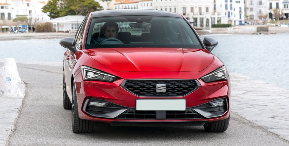 Red Seat Leon front